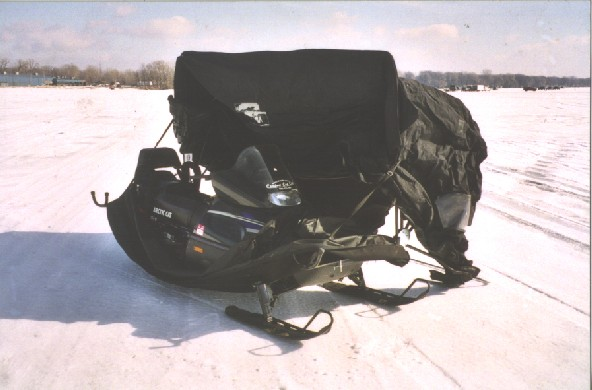 Snowmobile-with-cab-1